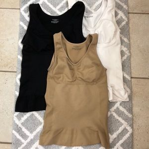 BUNDLE !!! Three Camishaper size L
